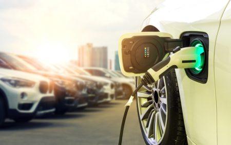 In den nächsten vier Jahren kommen 20 bis 25 attraktive und hoch funktionale Modelle – Kaufprämie für Elektroautos sollte daher unbedingt verlängert werden